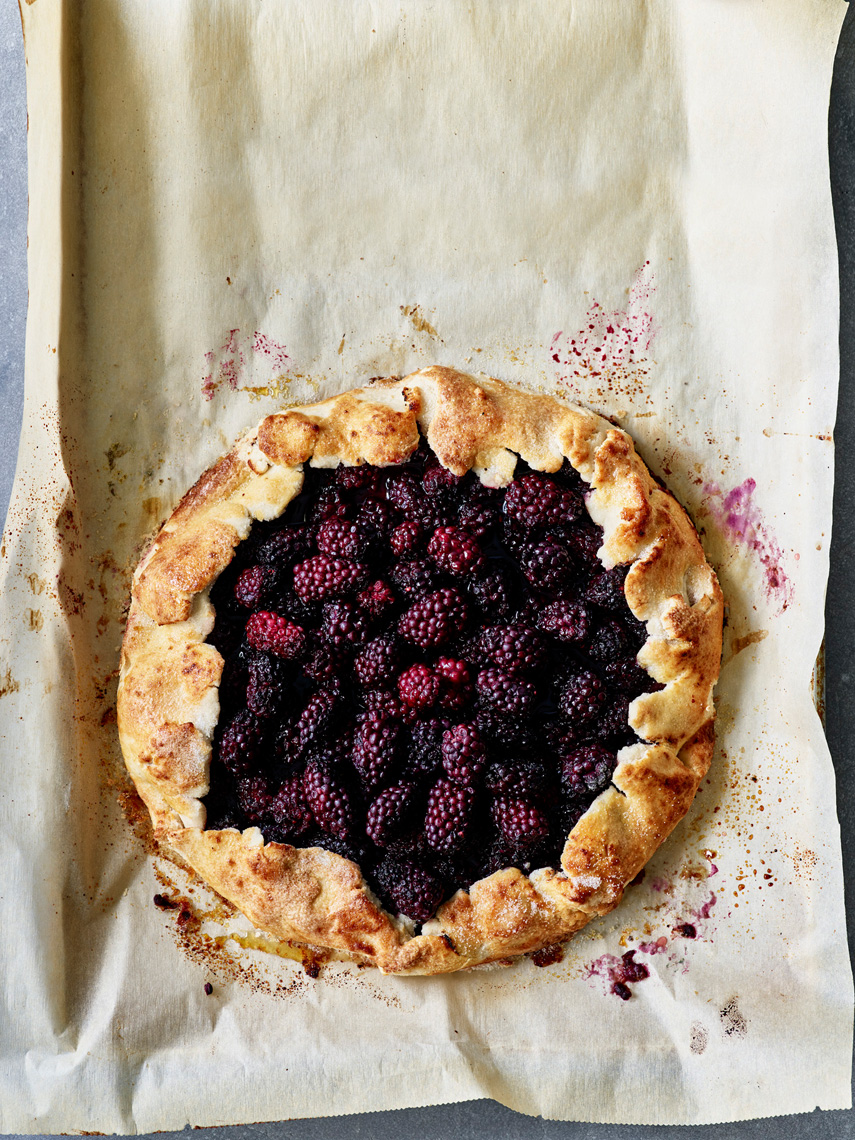 DairyFreeGlutenFreeBaking_BlackberryGalette_01_30487_Sweets_Website