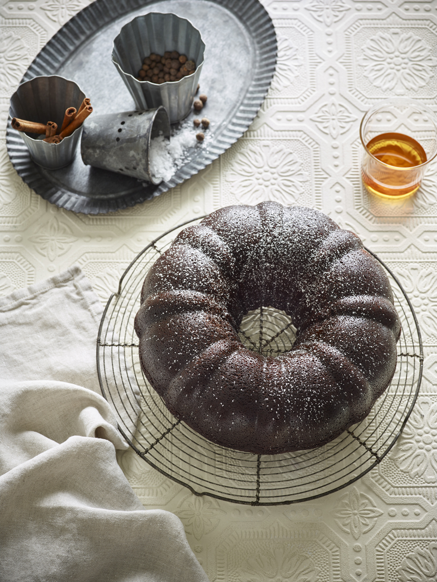 LEIGH_BEISCH_Black_Pepper_Whiskey_Gingerbread_v1_31584