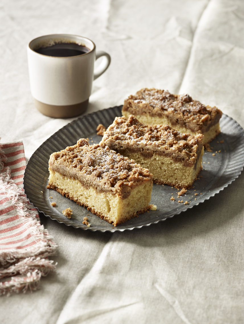 LEIGH_BEISCH_Classic_Diner_Crumb_Cake_31722