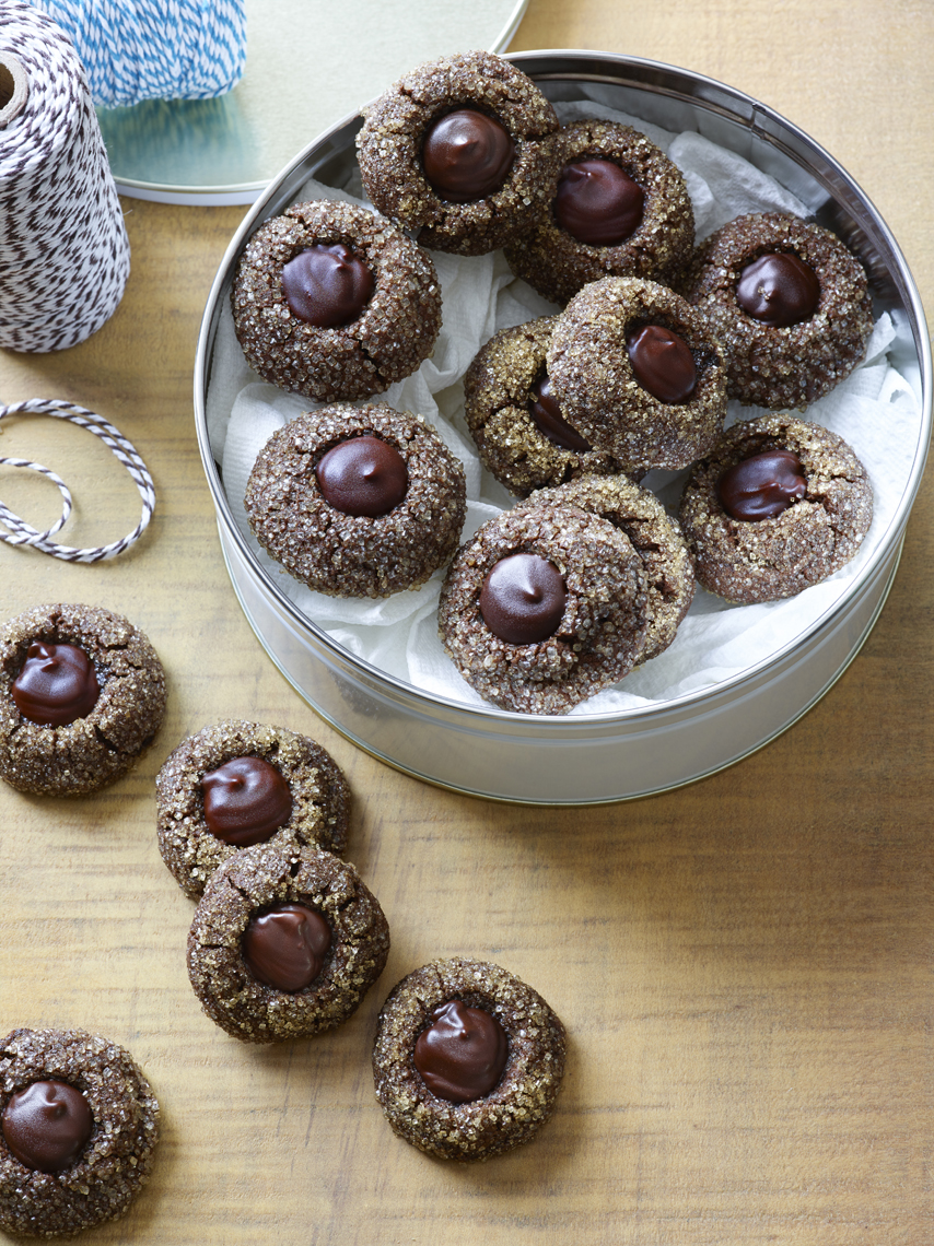 LEIGH_BEISCH_Spiced_Choc_Molasses_Buttons_1516